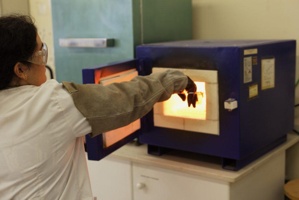 13-preparacion de muestras analisis quimico fusion mufla-0172
